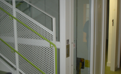 Installation d'un ascenseur privé pour la crèche Bout de Chou à Paris (75)