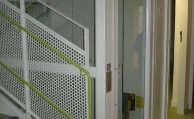Installation d'un ascenseur privé pour la crèche Bout de Chou à Paris (75) image 3